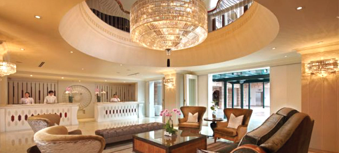 THE CHATEAU RESORT Lobby chandelier lighting